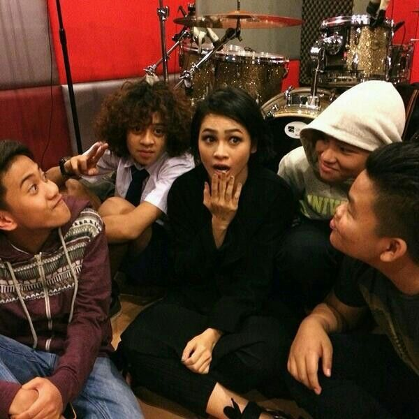 Preparing Farewell Concert Coboy Junior with Andien