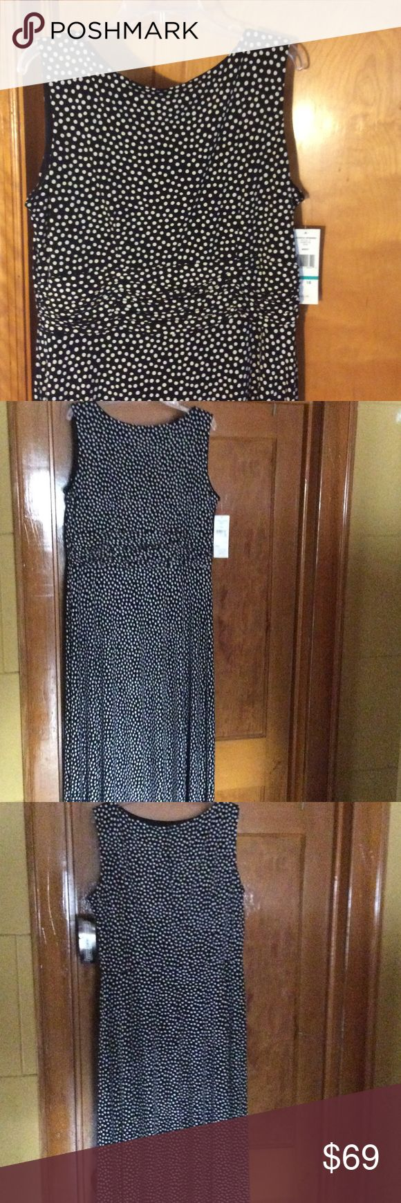 Jessica Howard Polka Dot Maxi Dress Size 16 NWT Jessica Howard Polka Dot Maxi Dress Size 16 NWT, sleeveless, ruched waist, back zipper, lined at top, polyester and spandex, black and white, swing dress. Excellent condition. Macy's. Jessica Howard Dresses Maxi