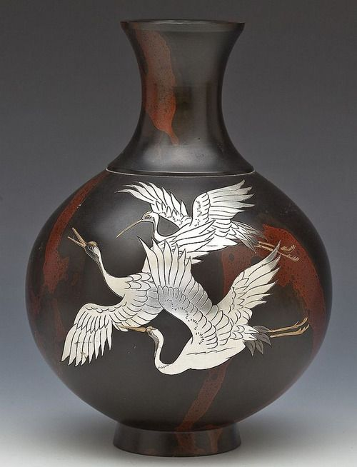 Bronze Vase. Late 19th century, Japan
