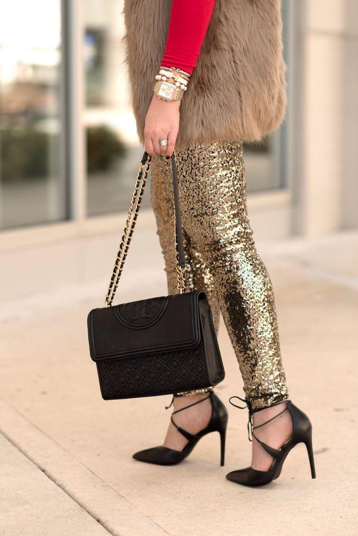 Gold sequins leggings. Fancy Things