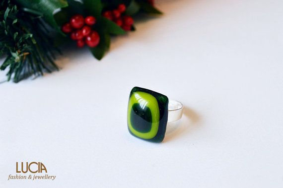 Green glass ring by LuciaProducts on Etsy