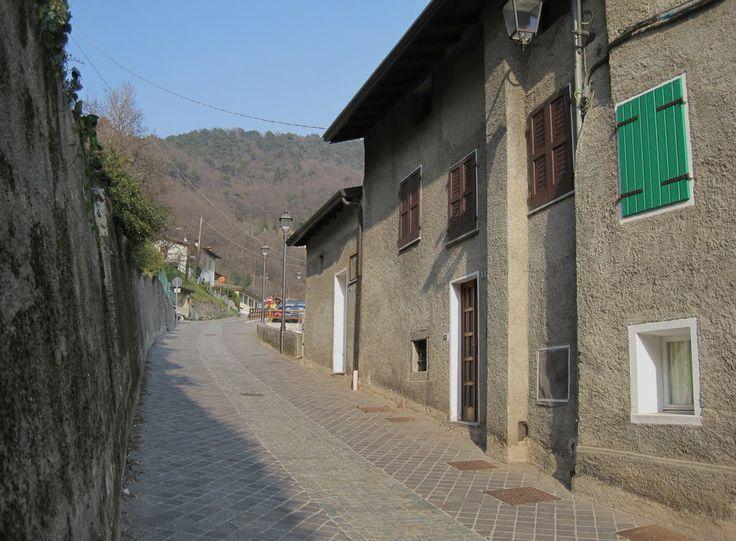 Tremosine, Sermerio, main street
