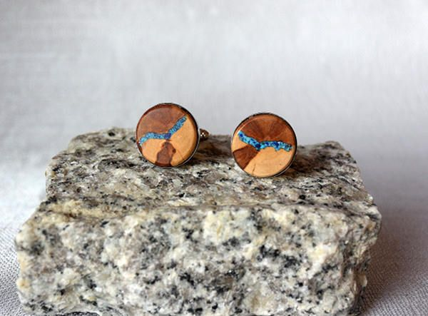 Cufflinks from apple tree inlaid with turquoise and lapis-lazuli, wooden cufflinks, wooden cufflinks with turquoise and lapis-lazuli inlay by Mazunii on Etsy