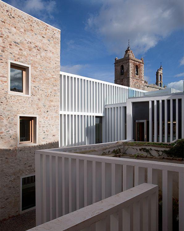 Emilio Tuñón Arquitectos [Tuñon y Mansilla] || (084) Hotel Atrio (Cáceres, España) || (2005-2010)