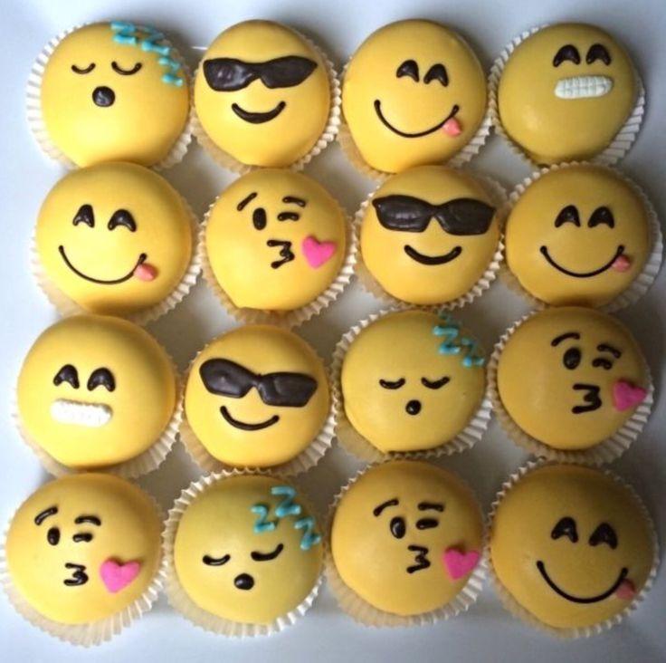 Imoji cupcakes :)