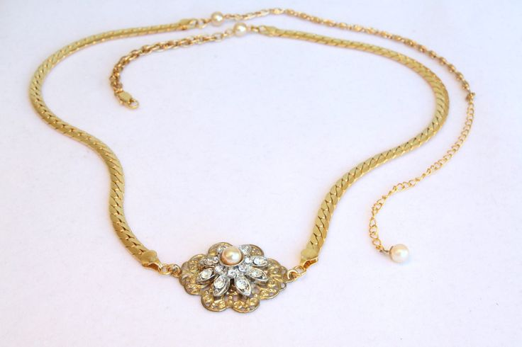 necklace (gold) for wedding party