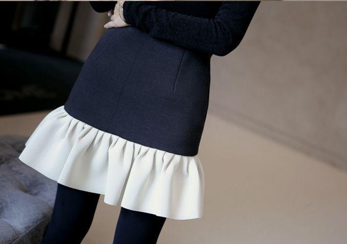 Today's Hot Pick :撞色拼接多褶皱荷叶边鱼尾裙 http://fashionstylep.com/P0000SZJ/elevenam/out 充满复古风情的拼色鱼尾裙,绽放在凡尘的惊艳天资!大胆摩登的用色,立体肌理感的融合摆脱了原本的质朴感,把复古范鱼尾元素与之融合,让美裙上升到了一个艺术品的层次~包臀的修身设计与张扬的荷叶边下摆,宛若人鱼公主的魅惑鱼尾,轻走旋转间就自有优雅格调~ ★搭配推荐★修身纯色上衣/踝靴 -拼接 -荷叶边 -单色
