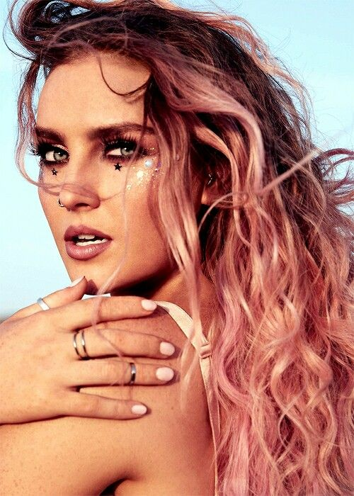 Perrie in shout out to my ex!!!!!                                                                                                                                                                                 More