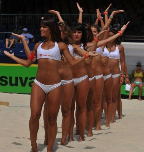 #интересное  Красивый волейбол (25 фото)   Красотки на волейбольном матче!       далее по ссылке http://playserver.net/?p=60923
