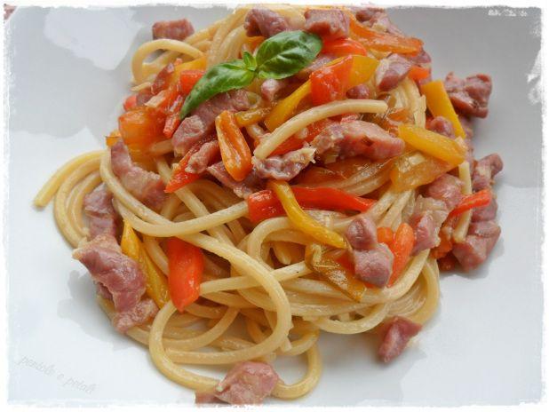 spaghetti prosciutto crudo peperoni