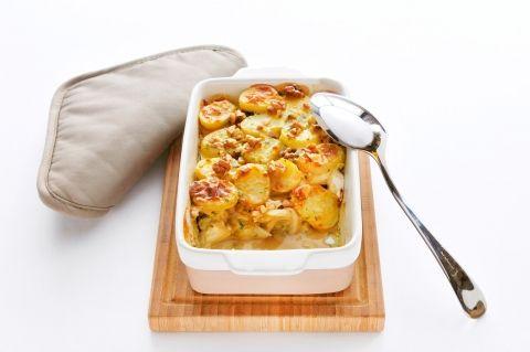 Witlof met brie, walnoten, honing en aardappelschijfjes