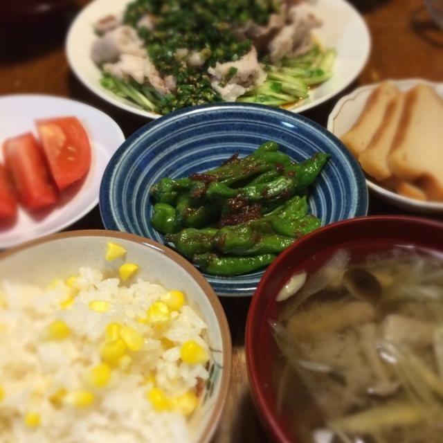 本日、休肝日。嶽きみで贅沢にとうもろこしごはん。んめー。 - 15件のもぐもぐ - とうもろこしごはん、茄子の味噌汁、ししとう味噌炒め、豆腐カステラ、ニラだれ冷しゃぶ by raku0dar