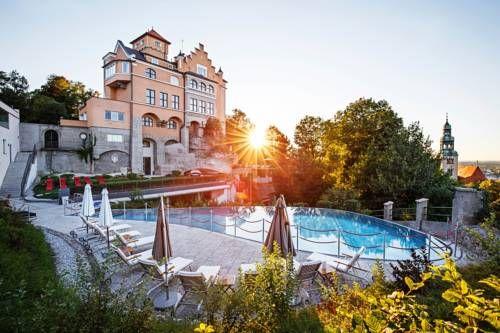 Hotel Schloss Mönchstein - L'Hotel Schloss Mönchstein est un établissement 5 étoiles supérieur idéalement situé au sommet du Mönchsberg, une colline du centre-ville de Salzbourg. Adresse Hotel Schloss Mönchstein: Mönchsberg 26 5020 Salzburg