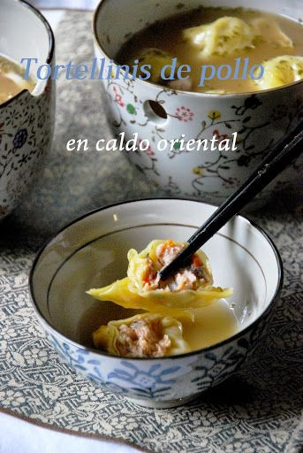 Tortellinis de pollo en caldo oriental