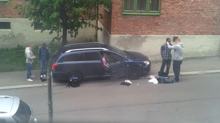 The continued Oral Cavity search – 15 minutes later - See more at: http://www.circusbazaar.com/norwegian-police-filmed-article-3-inhuman-or-degrading-treatment-echr/#/