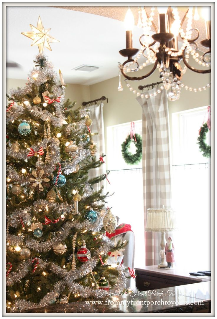 1000 ideas about christmas living rooms on pinterest - Living room vintage decorating ideas ...