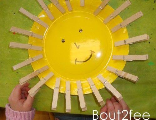 soleil pinces à linge sur assiette en carton