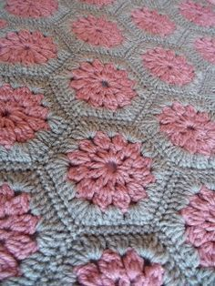 Great pattern for contrasts, like the circles and hexagons