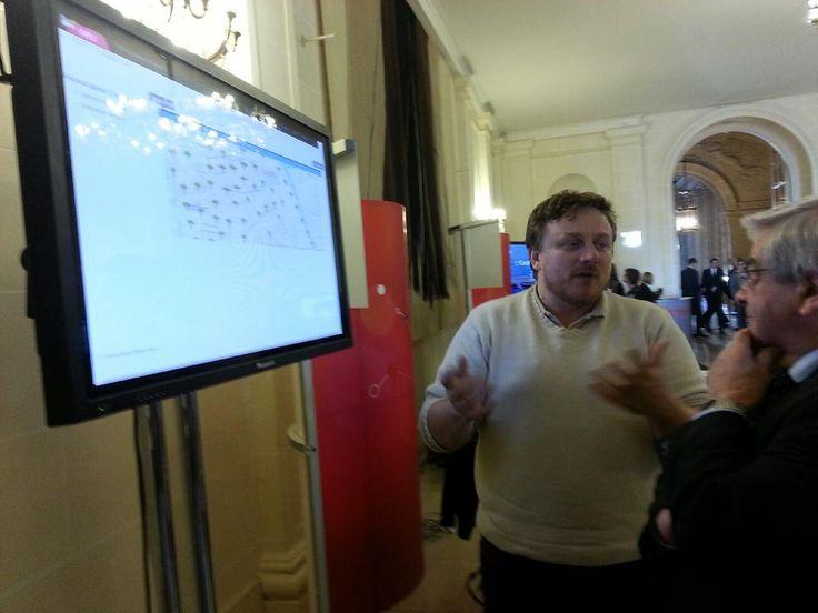 Avec #urbanet et @herverivano d'@inria_grenoble : déploiement de capteurs pour des #smarticities #InriaAuSenat