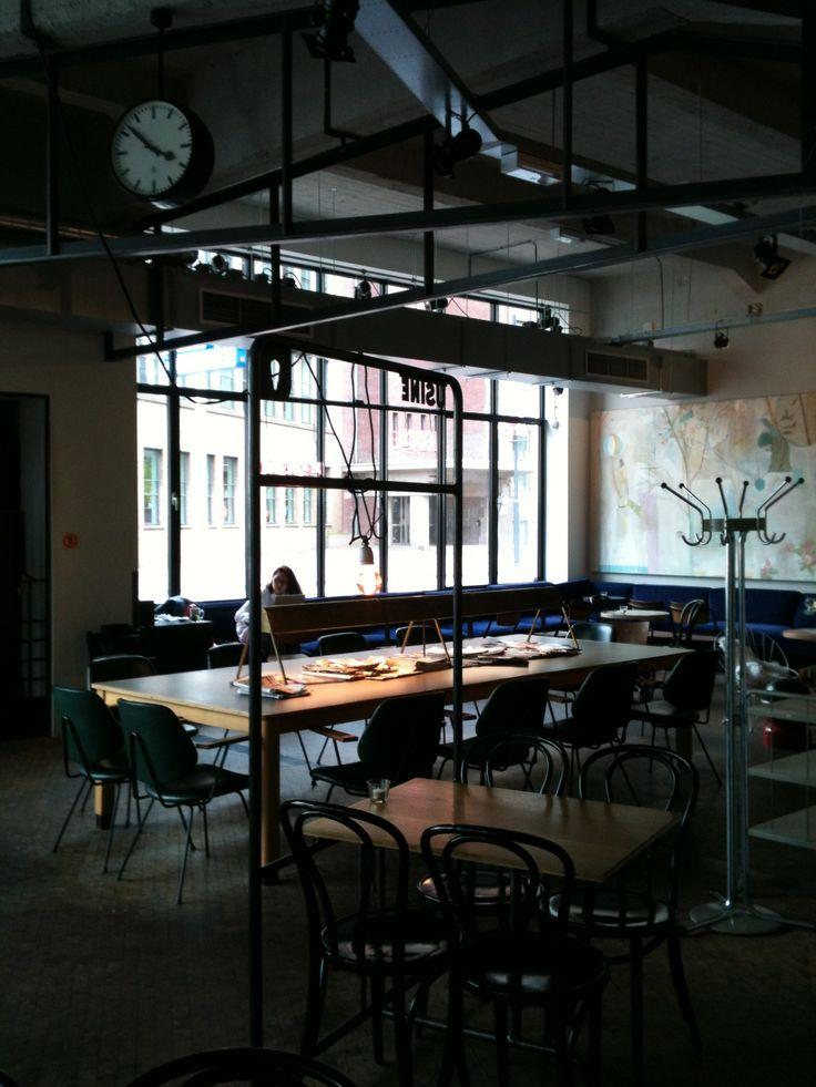 #usine #eindhoven #restaurant #industrialrenovation #industrialtransformation #concrete #metal