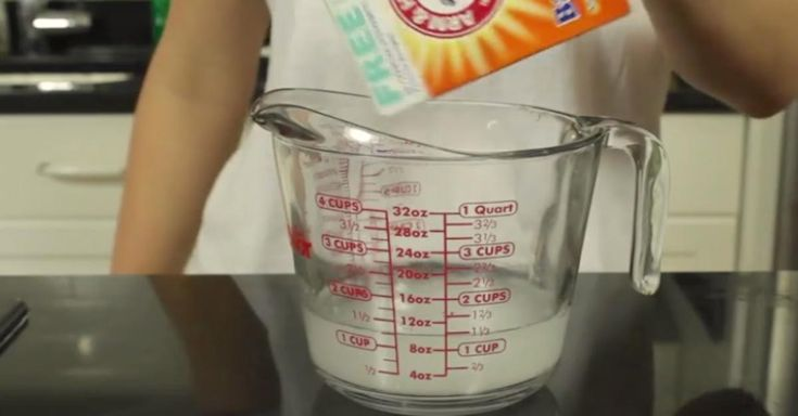 Easily Clean Your Oven With This Brilliant Chemical-Free Hack via LittleThings.com