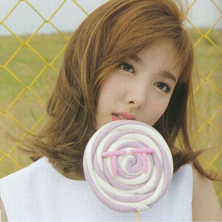 #Twice#Tzuyu#Chaeyoung#Dahyun#Mina#Sana#Momo#Jeongyeon#Nayeon#Jihyo#TT#Signal#Know Know#Cheer up#like ooh-ahh