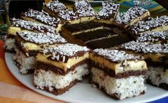 Vynikající kokosové řezy s čokoládou | NejRecept.cz