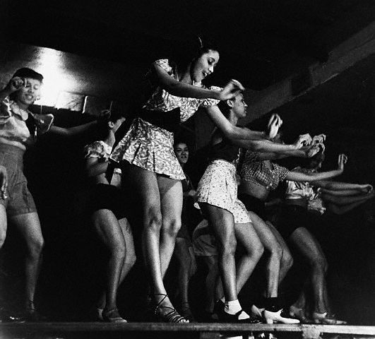 Old Black Rugby Dance: 50 Best Moulin Rouge / Can Can Girls Vintage Pictures