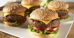 Aprenda a fazer hambúrguer caseiro sem segredos.