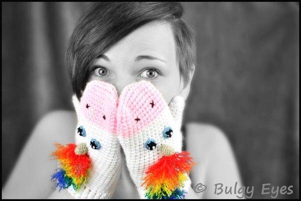 Du magst Einhörner ++ häkelst gern? Neue Handschuhe brauchst Du auch? Dann leg gleich los mit dem Häkeln der Einhorn-Handschuhe. Viel Spaß beim Häkeln.