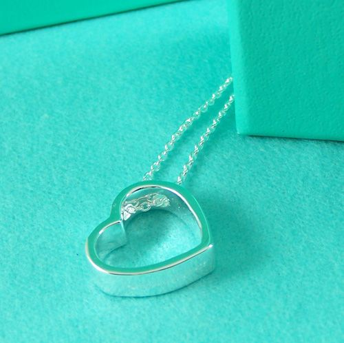 Tiffany and Co Open Heart Pendant Necklace... Love this sooo much!!!! Present please!!!!! ;)