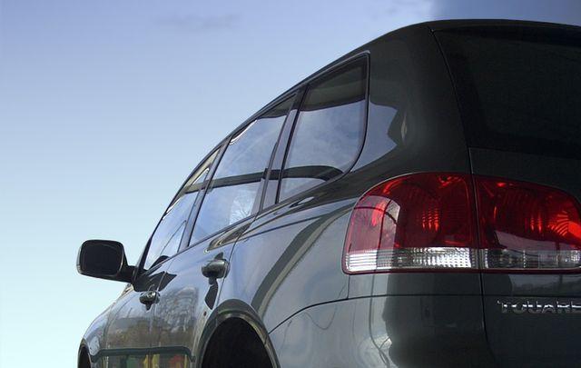 Urząd Ochrony Konkurencji i Konsumentów postanowił o wszczęciu w najbliższych dniach postępowania wyjaśniającego dotyczącego manipulowania wskaźnikami emisji spalin w samochodach Volkswagen.