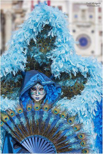 Italia Tour Italy| Serafini Amelia| Carnaval de Venise-Blue Feathery- Carnival Venice 2014