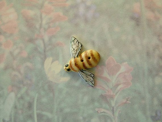 Large Bee Button I Want These All Over My Kitchen Curtains