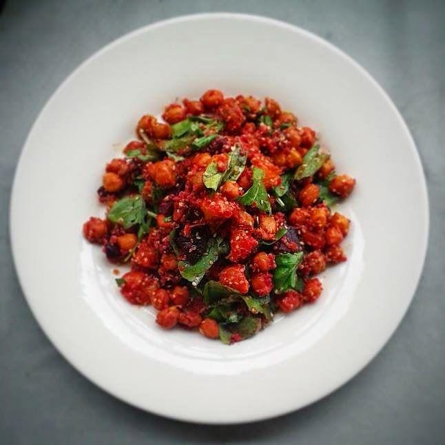 JeanneDôme: Μαρόκο - Σαλάτα κινόα, παντζάρι, πορτοκάλι, ρόκα, πικάντικα ρεβύθια και σουσάμι - Quinoa salad with spicy moroccan style chickpeas, beetroot, rocket, orange and sesame seeds - Chez Jeanne