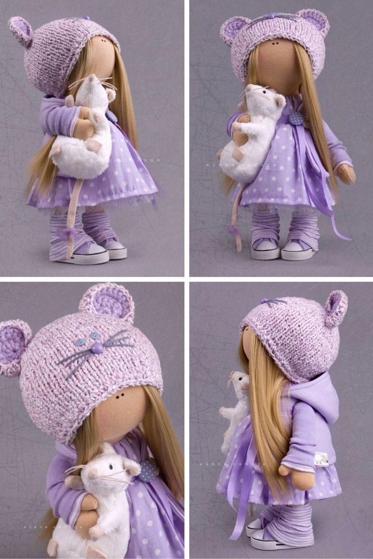 Muñeca tipo tilda con ratón.