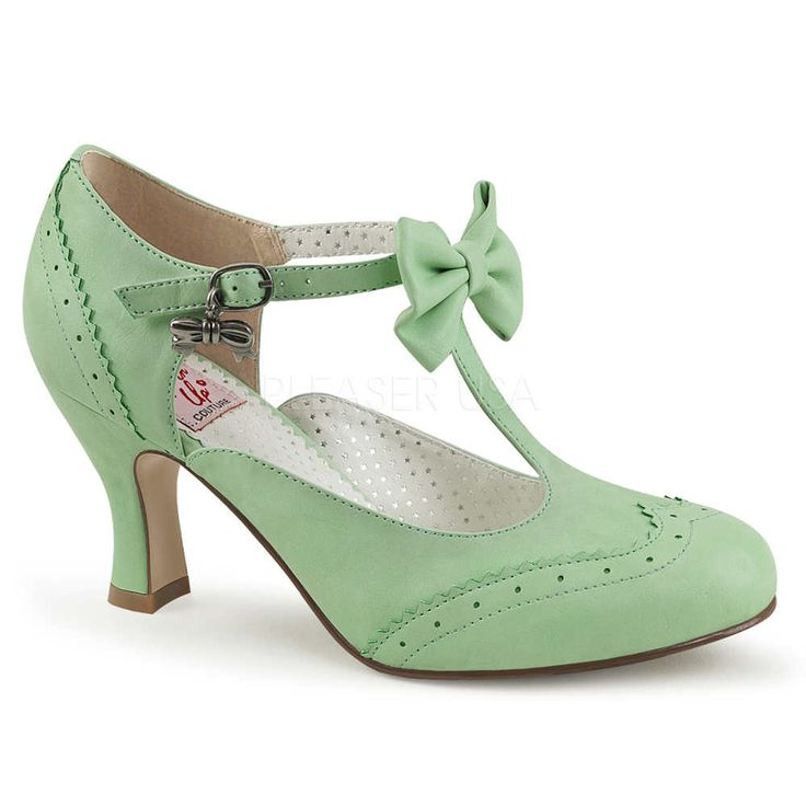 Pin Up Couture Flapper-11 pump met T-bandje, strik en strik bedel deta