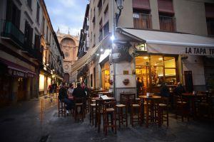 Diez ciudades españolas donde puedes comer tapas gratis | El Viajero | EL PAÍS
