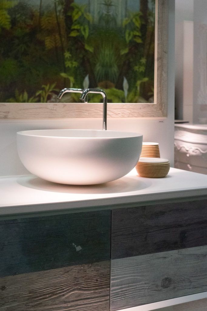 Contemporary porcelain washbasin