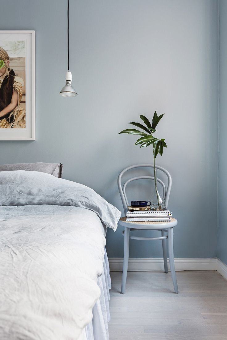 Interior Designers Always Notice These Bedroom Decorating