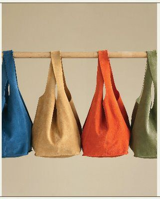 Tutorial which includes pattern to make Soho Slouch Tote in Aniline leather from Weekend Designer Blog