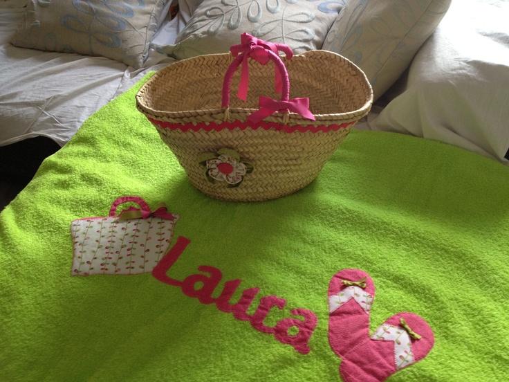 Conjunto de toalla de playa mas capazo.., para la reina de la casa!!!!