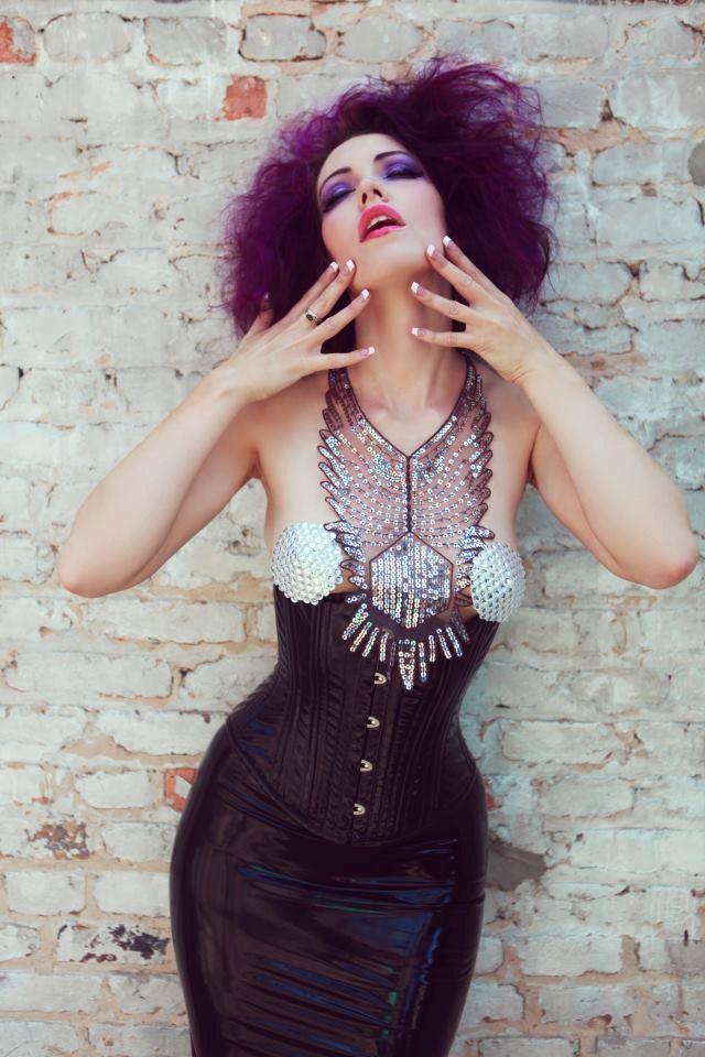 #purple #hair #dye #color #unusual #style #makeup #fashion