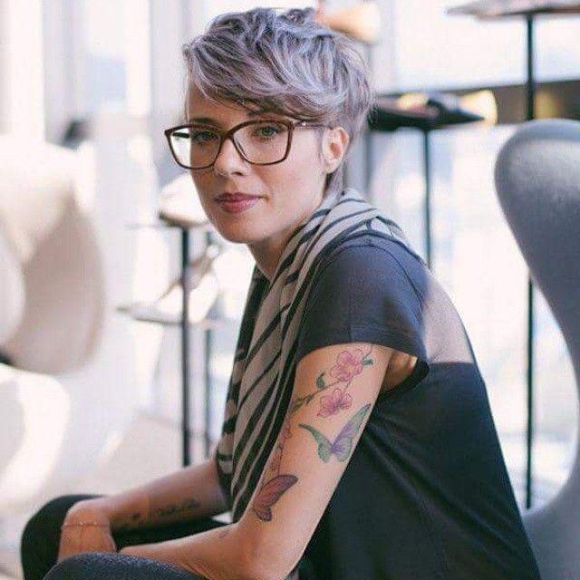 Trägst Du Eine Brille 13 Kurzhaarfrisuren Für Frauen Die Eine