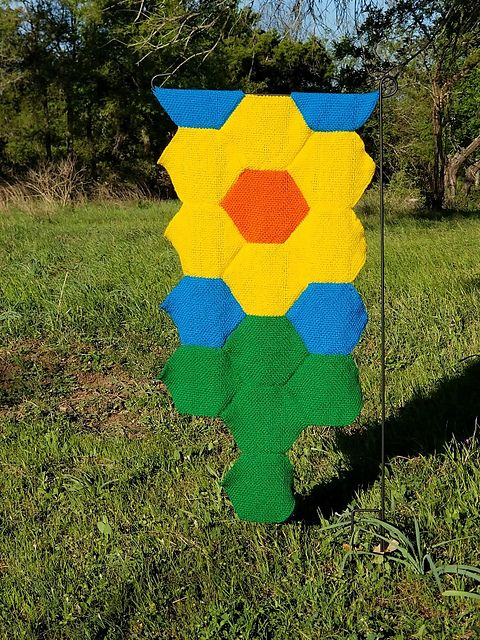 Ravelry: TexasGabi's TURTLE Hexagon Pin Loom: Daffodil Garden Flag
