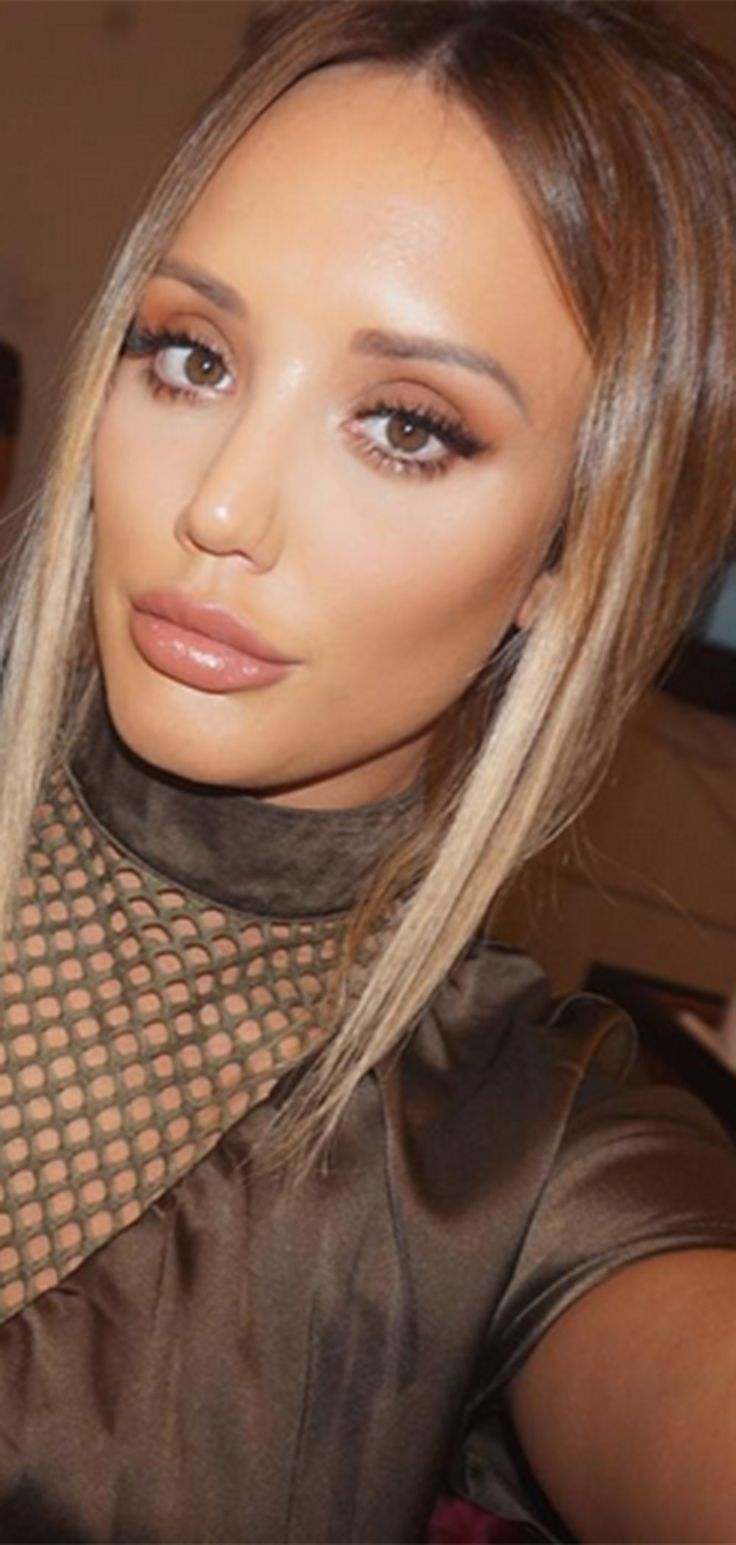 Ooh. Charlotte Crosby's got new short hair, and it looks *stunning*...