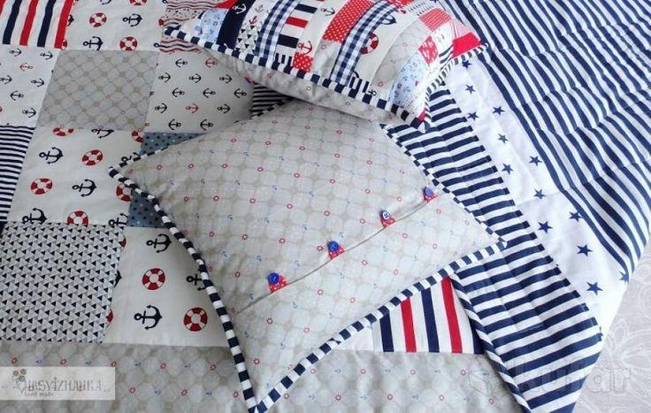 Плед-покрывало и подушки в морском стиле