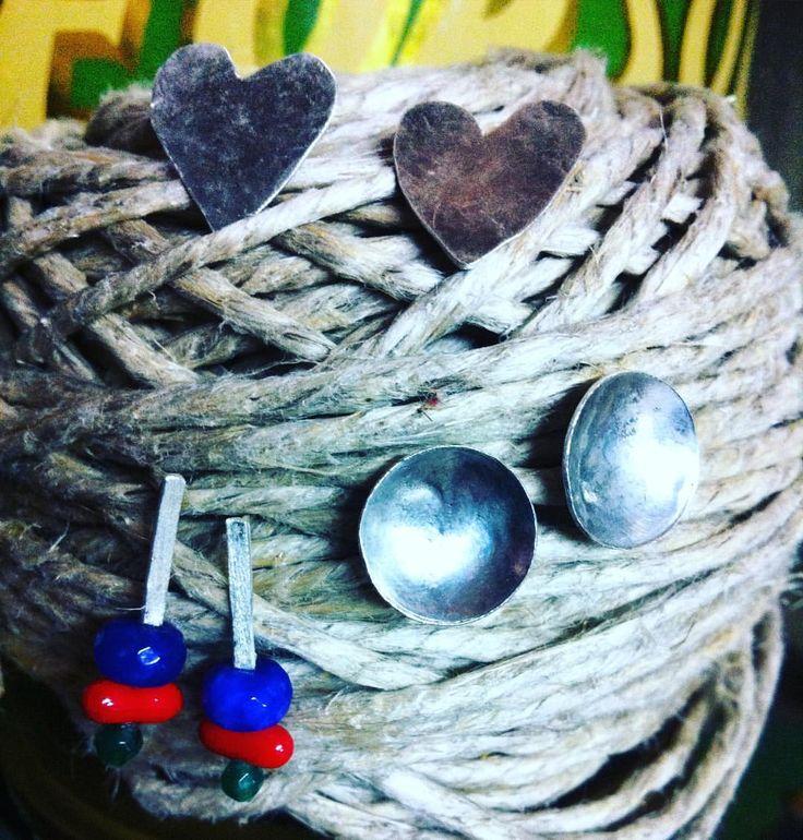 C'è un posticino nel mio laboratorio dove le mie creature attendono di trovare nuove amicizie! #wadada #jewellery #jewelry #gioielli #handmade #fattoamano #madeinitaly #artigianato #bijoux #earrings #orecchini #argento #silver #beads #stones #circle #heart #cerchio #cuore #minimal #design #instastyles #instafashion