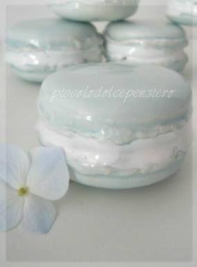 https://www.facebook.com/RiflessidArgilla/ Macaron Wedding Ideas. Ceramic Creations Ceramica Decorativa per la casa.Idee regalo per ogni ricorrenza  : bomboniere nascita, matrimonio , laurea , comunione , compleanno , regali e decorazioni di Natale.