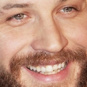 Tom Hardy close up....was having a bad day....now I'm all smiles, thanks Tom! :)